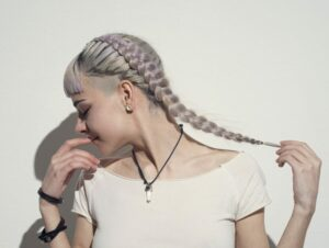 1630476650_928_Can-white-hair-return-to-its-original-color-thats-how.jpg